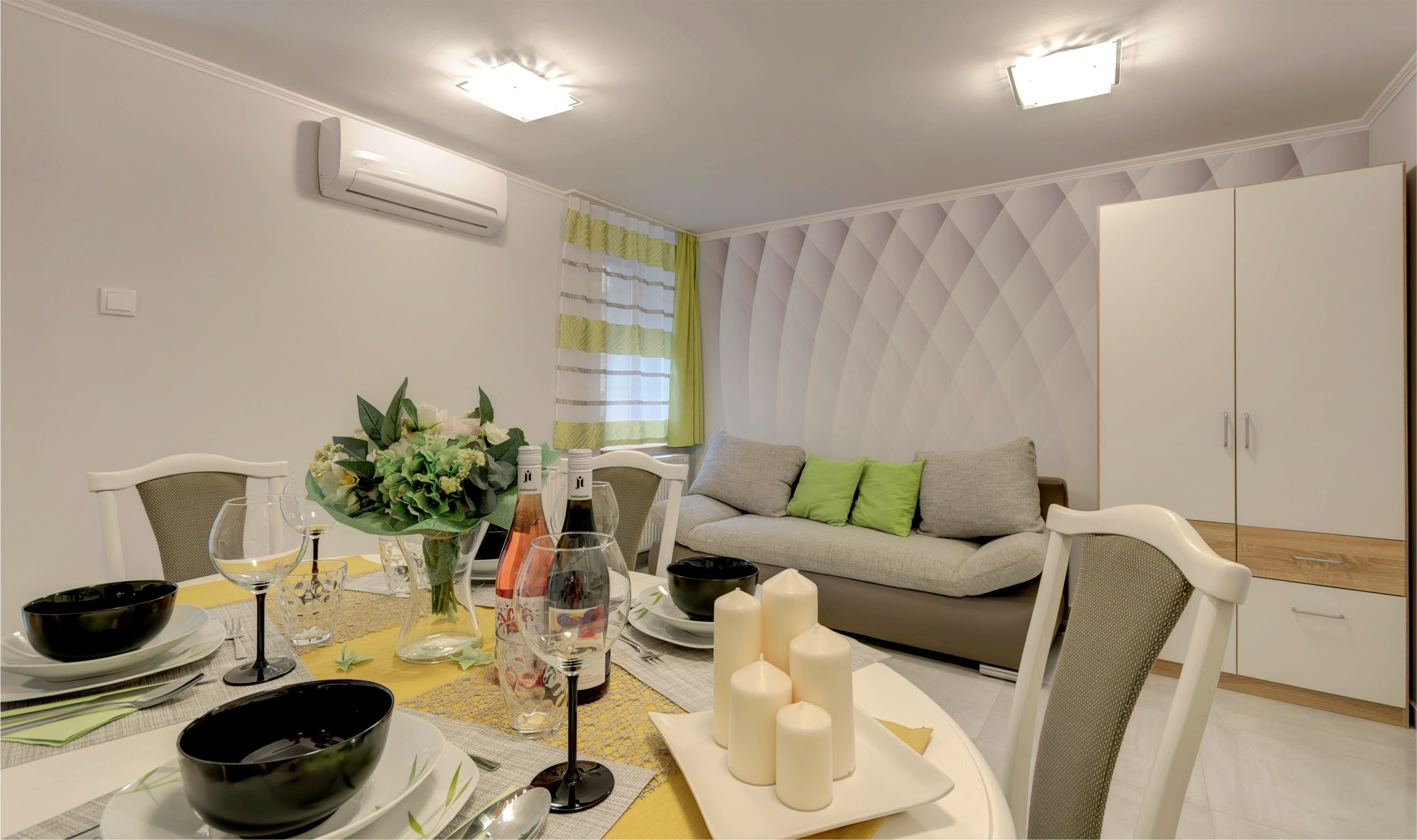 Udvari Apartman étkező nappali